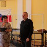 Jana Prošvicová - vyučující na Mendelově gymnáziu v Opavě a Petr Pavlíček - ředitel Mendelova gymnázia v Opavě